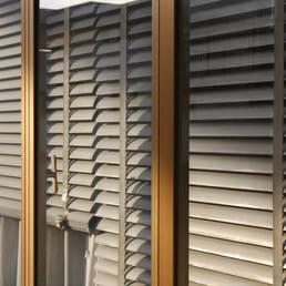 Which side are you on CURTAINS VS BLINDS - Simply Blinds
